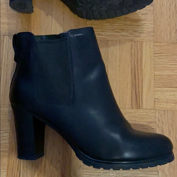 geox black leather amphibiox women ankle boots